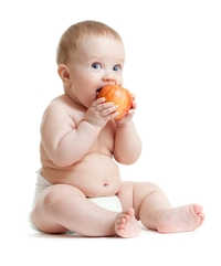 Living With Type 1 Diabetes: Timing of First Solid Food Intake Linked to T1 Risk