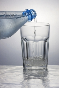 Higher Water Intake Tied to Weight Loss