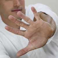 Research Examines Damage to Hand Function in Type 2s